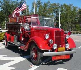 1935-Ford-Seagrave-500-gpm-pumper